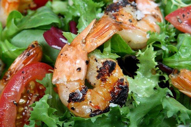 krevety v salátě.jpg