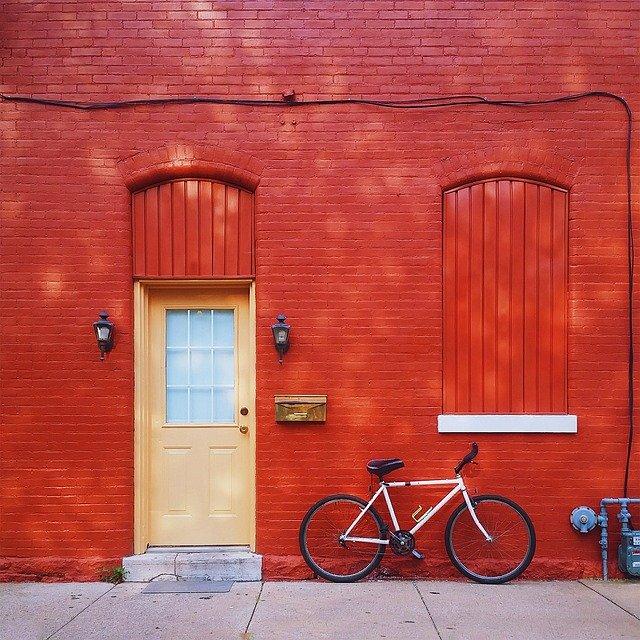 červený dům kolo